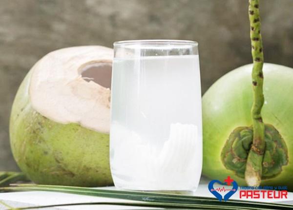 Công dụng của nước dừa đối với sức khỏe